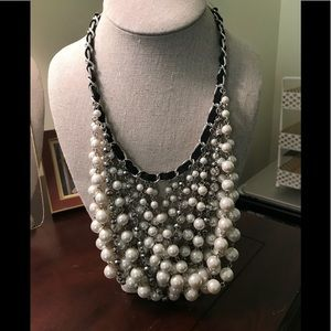 Drop pearl necklace with black ribbon